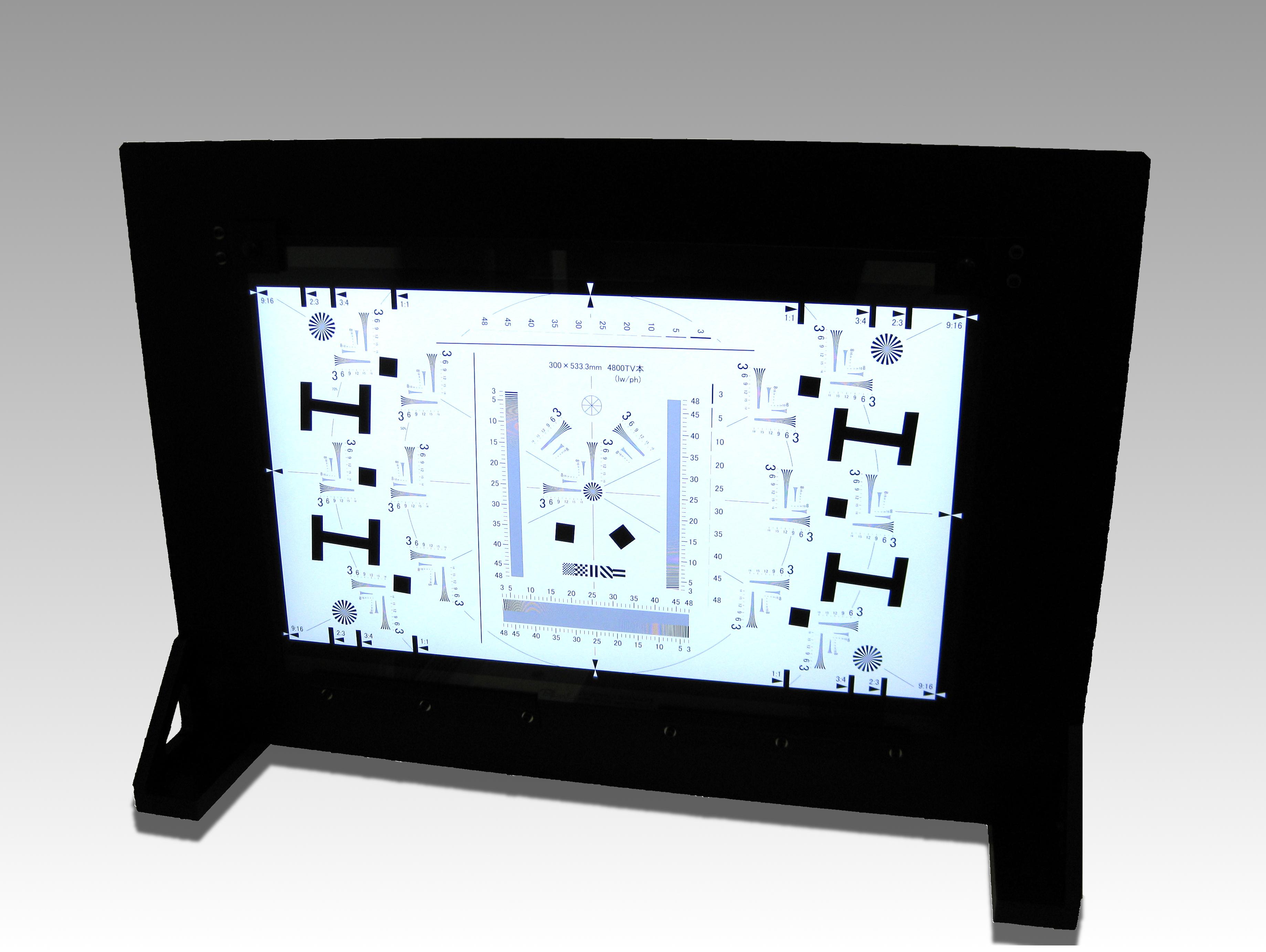 透過型8K解像力チャート用ライトパネルを参考出品予定